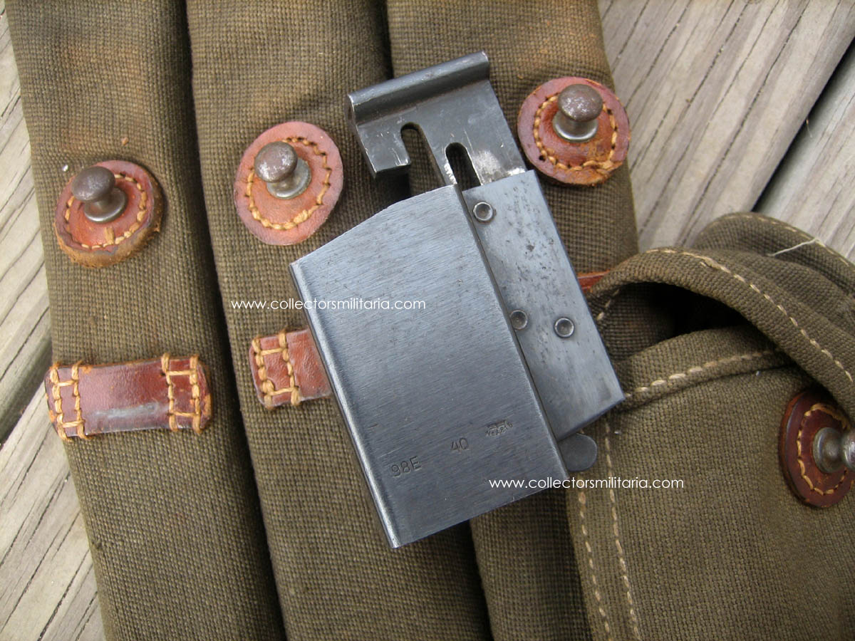 MP38 MP40 Ammo Pouch Complete With 3 Magazines & Speed Loader